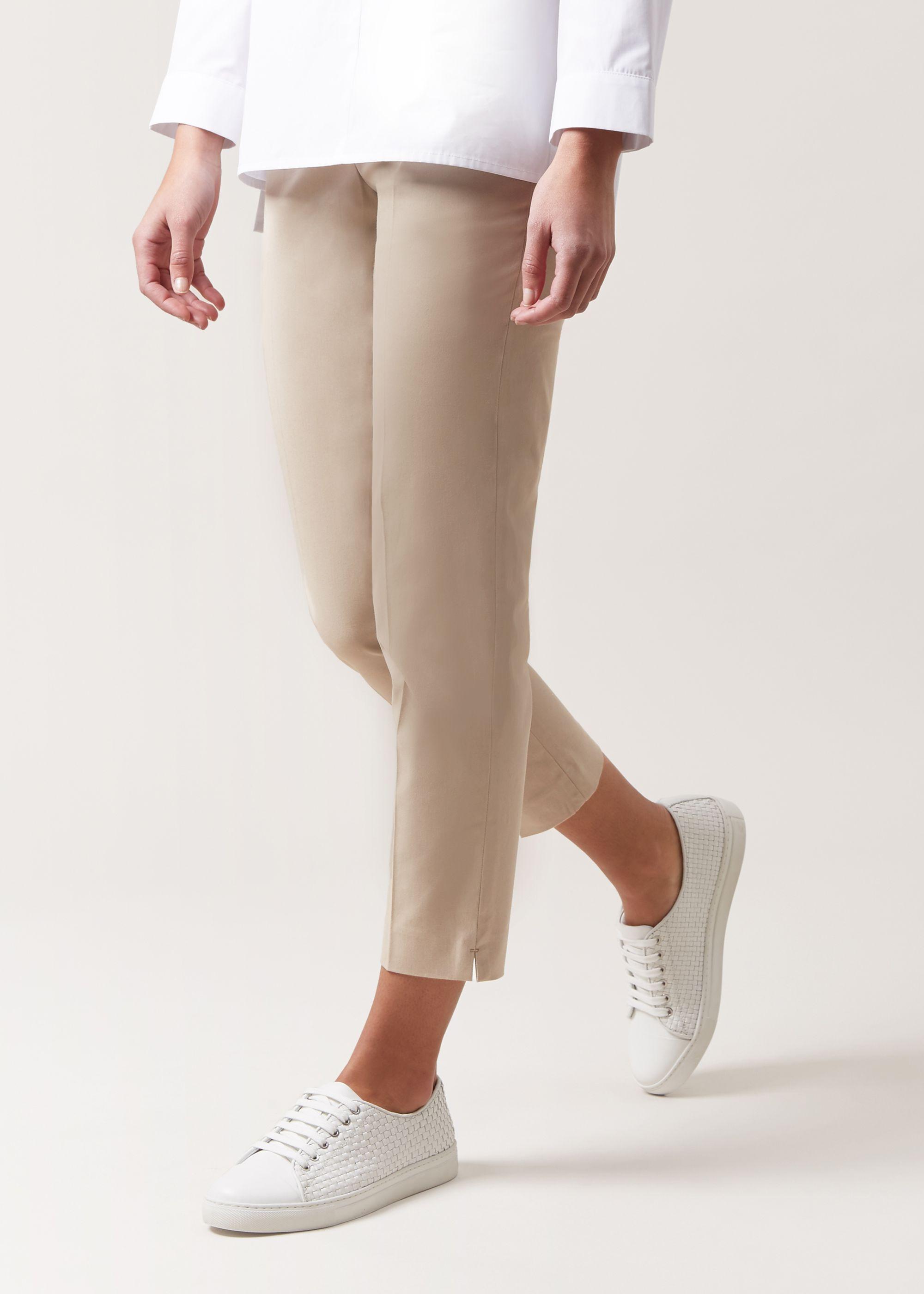 Various Sizes RRP £79. Hobbs Mallory White Capri Trousers