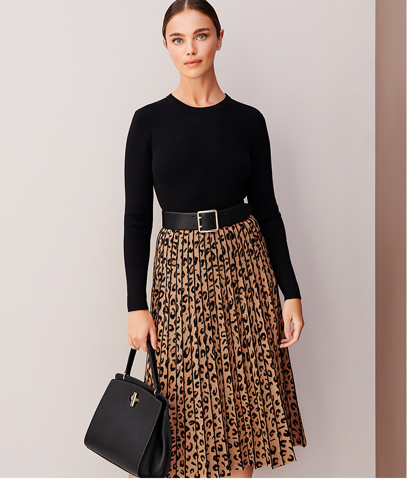 Black Leopard Print Knitted Dress With Long Sleeves