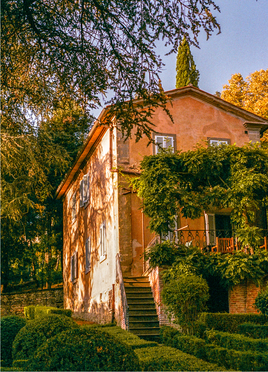 Photograph of the exterior of a country house in Umbria, Italy, captured by photographer Charlotte Bland.