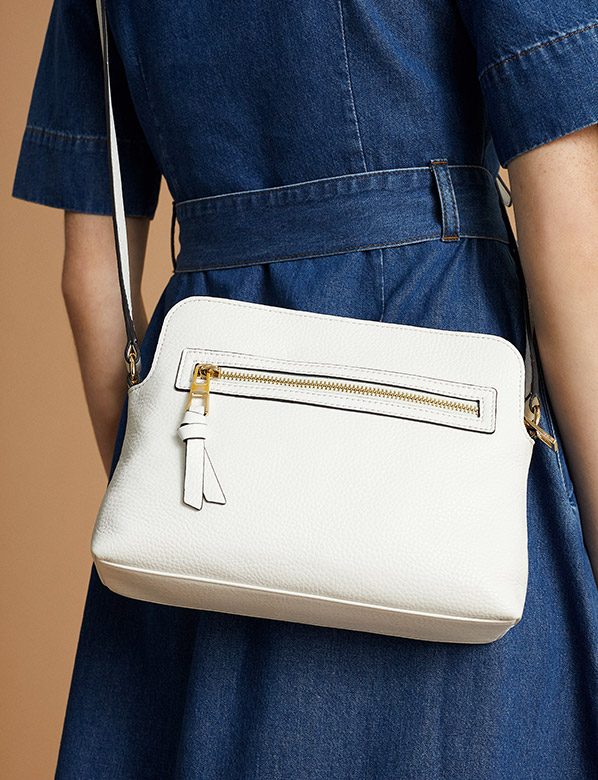 Hobbs All Accessories Image