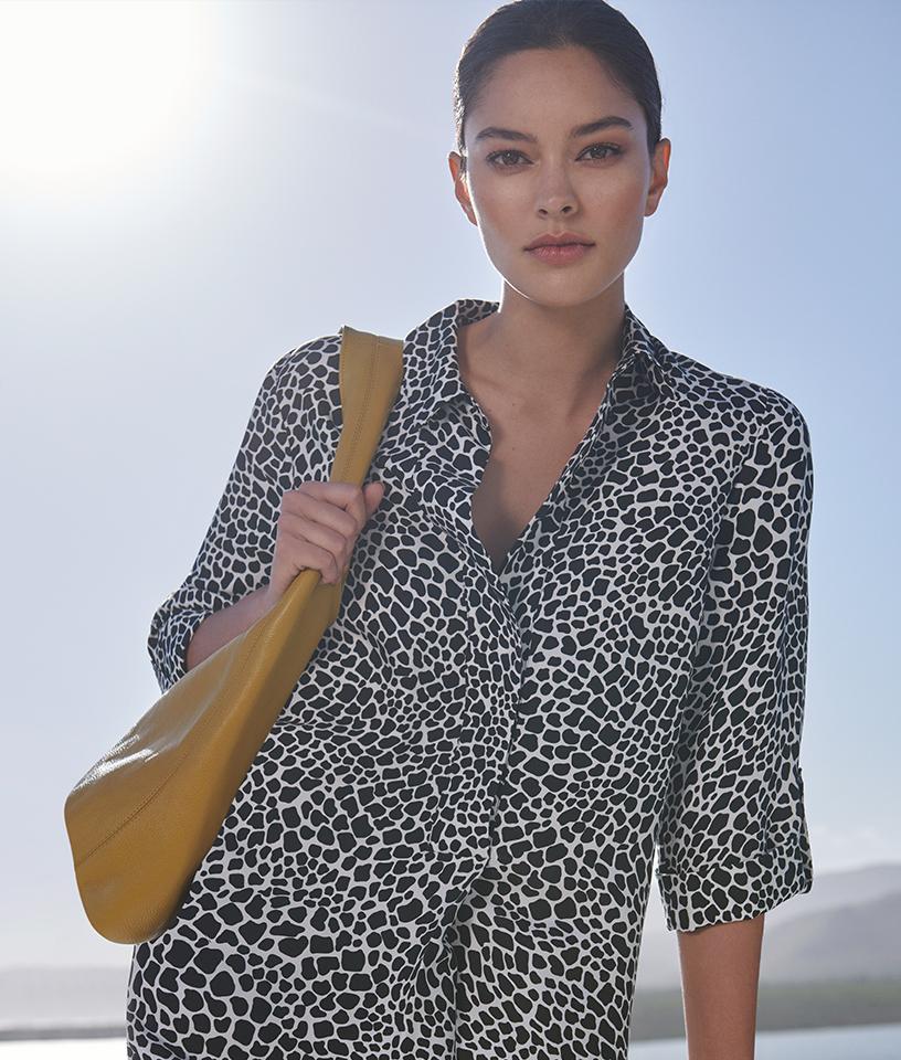Monochromatic animal shirt dress with yellow bag