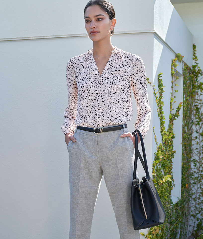 Grey straight trousers styling